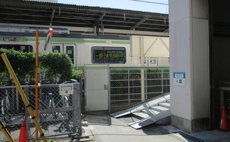 町田ルミネ駐輪場入り口