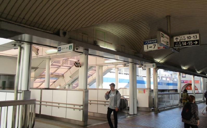 バスセンター案内表示3