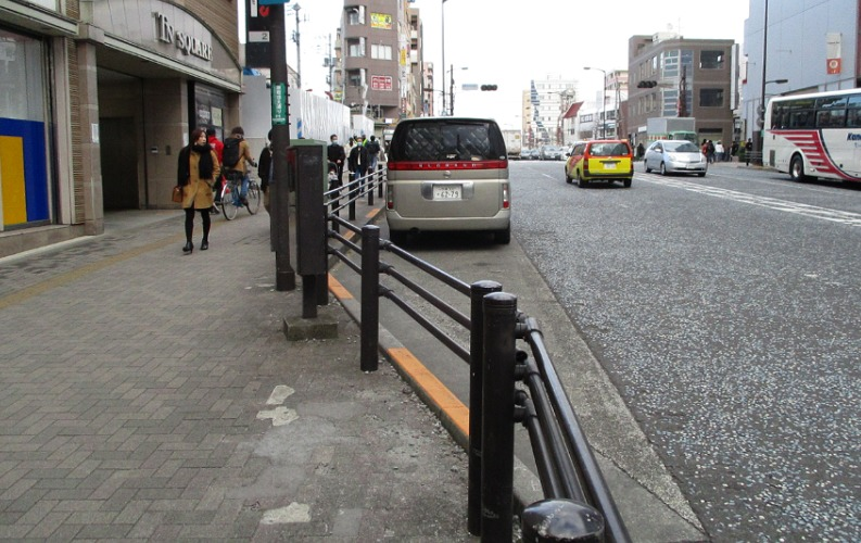 町田中央通リ車寄せ