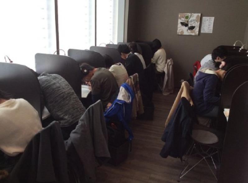 スタディーマックスカフェ 勉強風景
