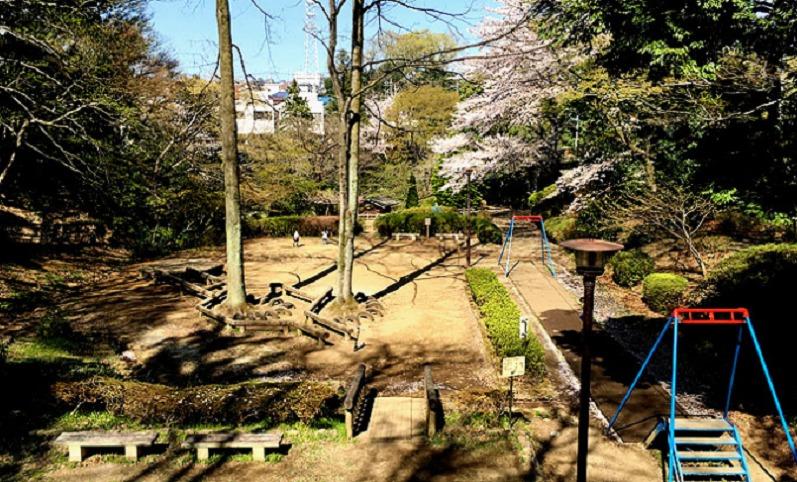 芹ヶ谷公園 冒険広場