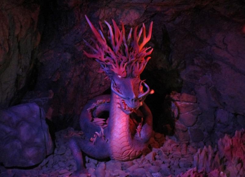 第2岩屋内の龍